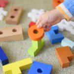 「もう育てられない…」ADHDの子ども、悩む親。